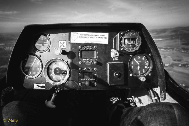 Cockpit of SZD-50 Puchacz - beauty of simplicity