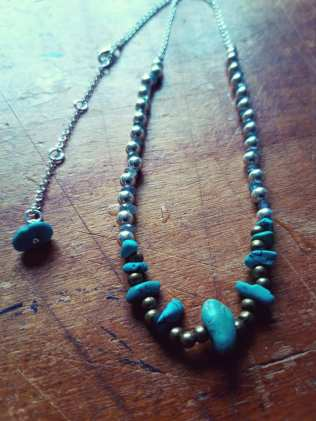 COLLIER CHAMANIQ N