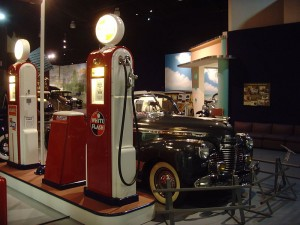 800px-0184_Hershey_-_Antique_Automobile_Club_of_America_Museum_-_Flickr_-_KlausNahr