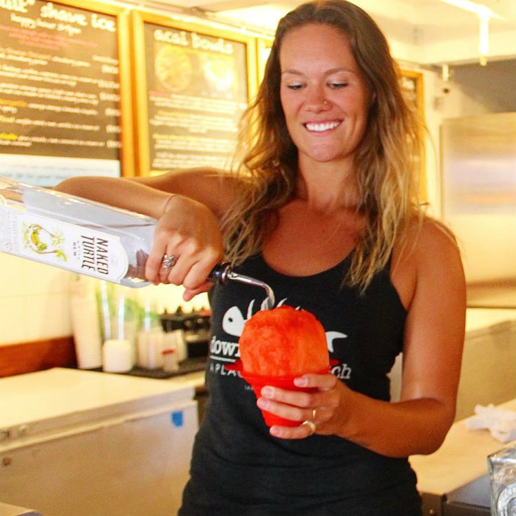 happy hour at breakwall shave ice lahaina maui - maui happy hours