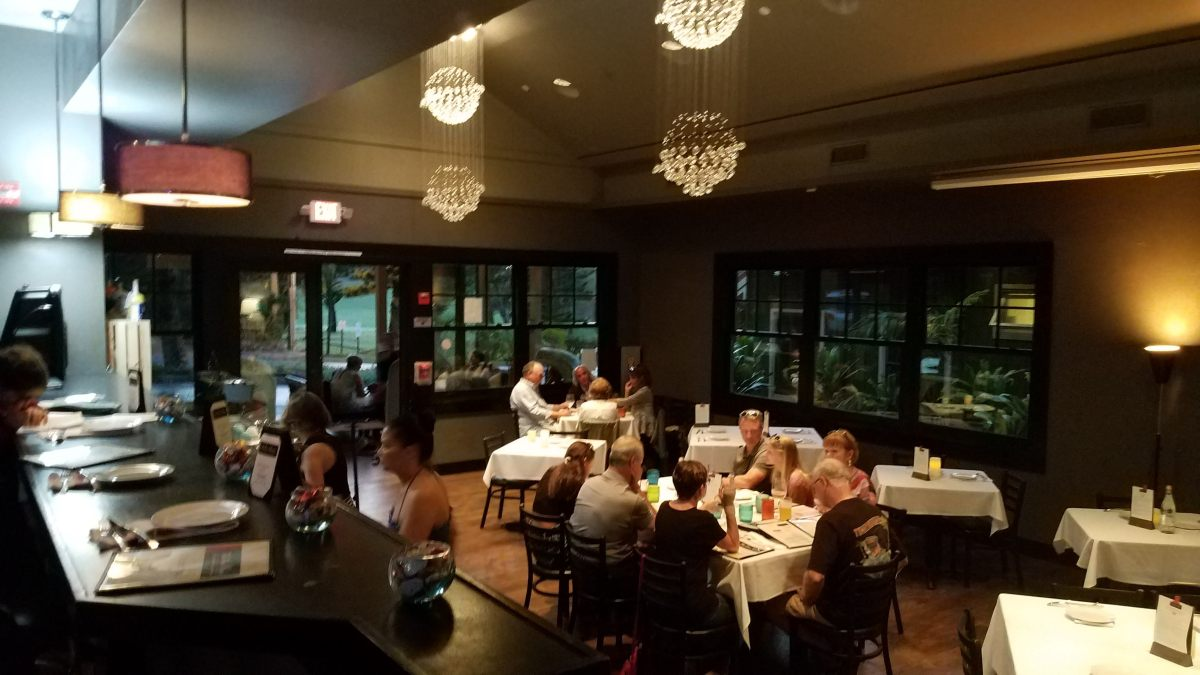 pour house kapalua happy hour - dining room - kapalua - maui happy hours
