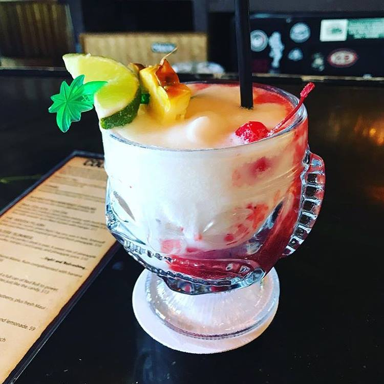 happy hour lava flow cocktail - south shore tiki lounge - maui happy hours