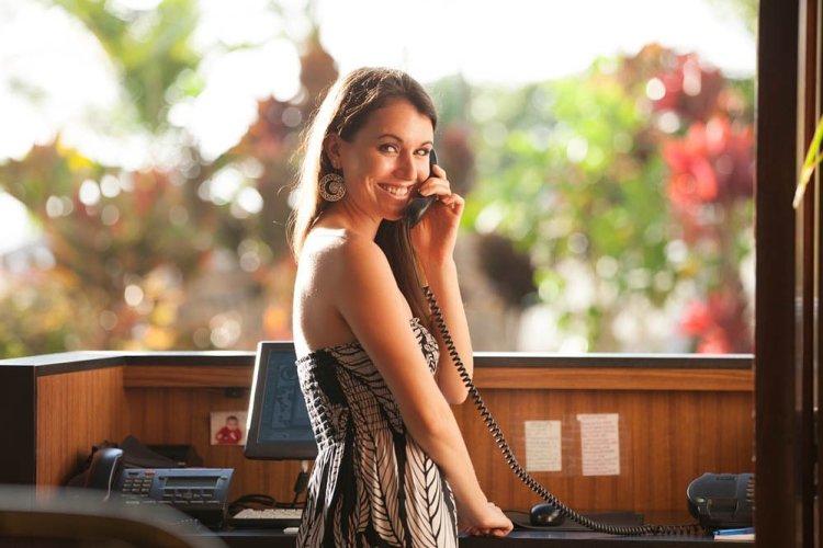 restaurant hostess at nicks fishmarket maui hawaii