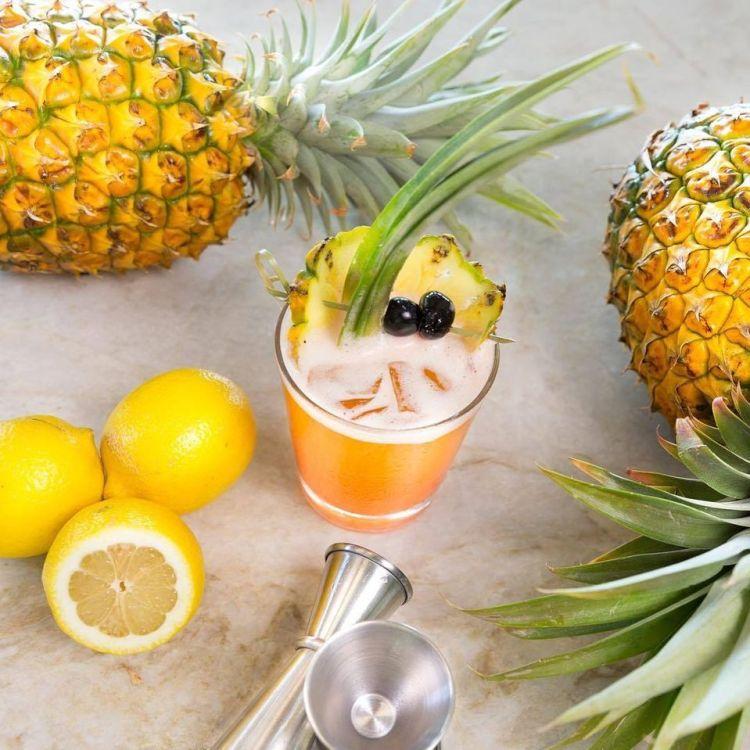 happy hour tropical cocktails at hmk wailea maui