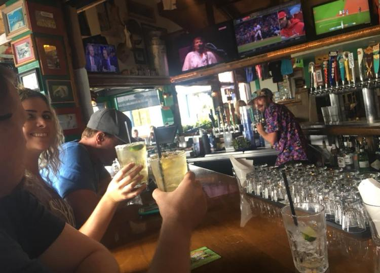 what is the best happy hour in kihei maui