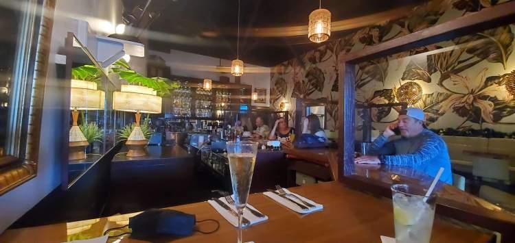 Colleens bar happy hour maui