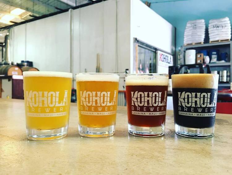 Happy hour at kohola brewery maui