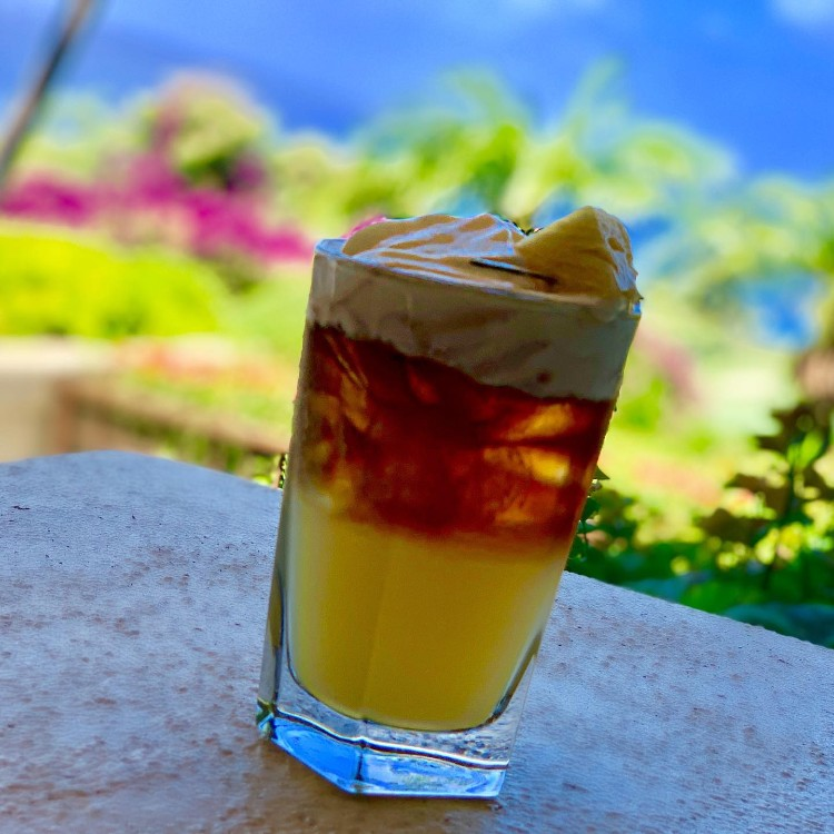 Happy Hour Gannons Maui