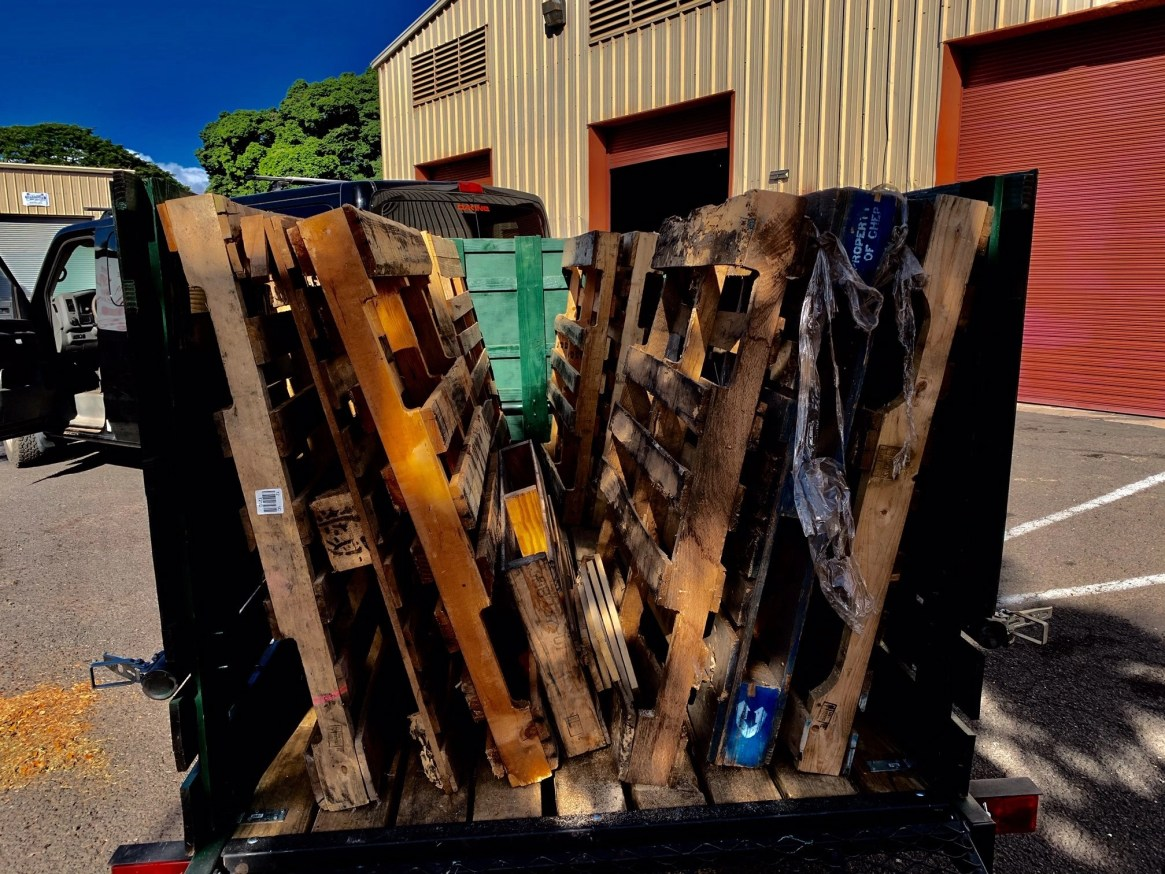 Maui Pallet Hauling & Recycling