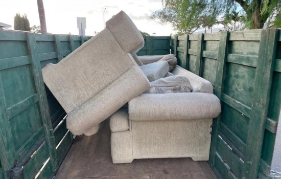 maui couch removal