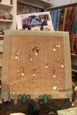 Shell Chic Maui Earrings Display