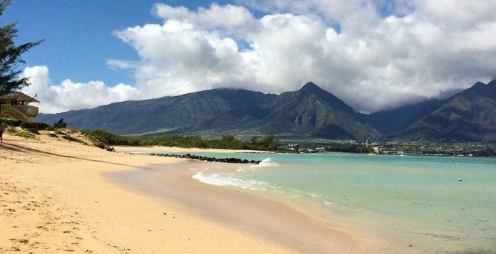 Kaneohe Beach Maui family activity