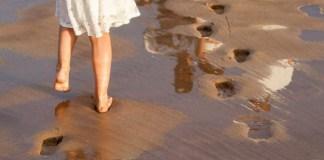 understanding past relationships footprints in sand