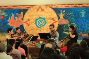 """Cuarteto de cuerdas Xihuitl, durante el concierto musical de la inauguración de la exposición """"En El Aire / Up In The Air"""""""