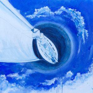 """Le opere di Maura Gottardo ( Maura Yoga) coinvolgono l'occhio dell'osservatore ma non solo, puntano dirette all'anima. La sua produzione artistica approfondisce i concetti di """"Armonia, universalità, totalità"""" e per farlo, l'artista sceglie una figura di elezione, il cerchio. Grande protagonista del suo immaginario formale e simbolo primo di un tutto in cui converge l'Esistente, la figura circolare esprime una profonda connessione delle parti: non entità distinte, ma ramificazioni interconnesse. Suggerisce in questo modo l'idea di riscoprire quel tessuto connettivo che sottende e unisce ogni cosa, in una compartecipazione che, del resto, permette la vita. Questa visione olistica si manifesta anche nel caso di rappresentazioni di """"genere"""" come le marine, i paesaggi marini tanto apprezzati dagli artisti nel corso dei secoli. Maura Gottardo riesce infatti a rivoluzionare l'orizzonte marino e racchiuderlo nella sua potenza centripeta e centrifuga di un cerchio, Un vortice in cui tutto è compreso e sprigionato, Come nel caso dell'opera PUNTO NAVE."""