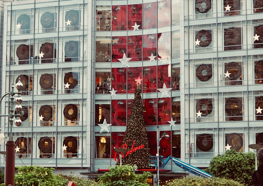 Wall of windows in Macy's storefront, San Francisco.