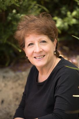 Rosanne Dingli, author of How to Disappear