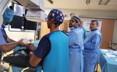 .. بعثة طبية سعودية تجري عمليات قسطرة للأطفال