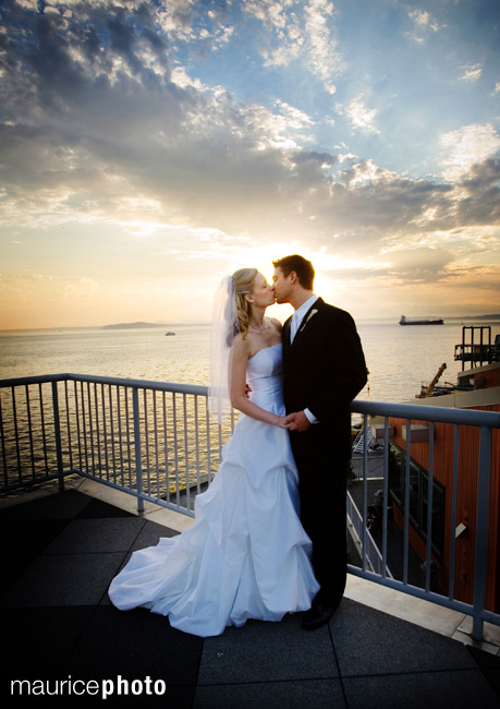 Wedding pictures on Seattle Waterfront
