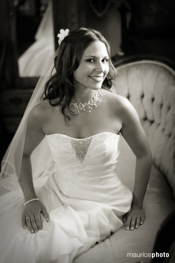 bridal portrait by Maurice Photo