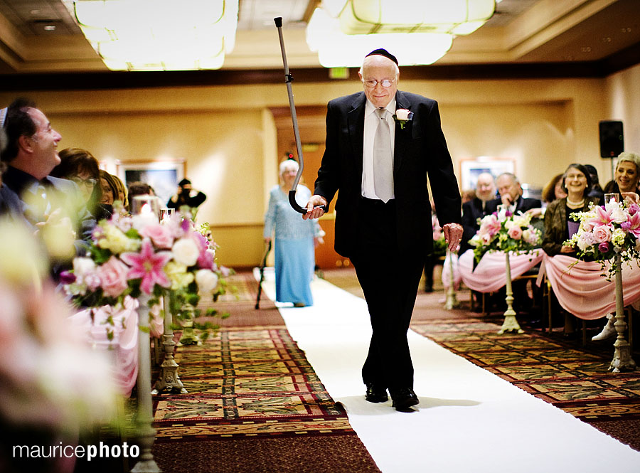 Wedding Pictures at the Sea Tac Hilton by Maurice Photo