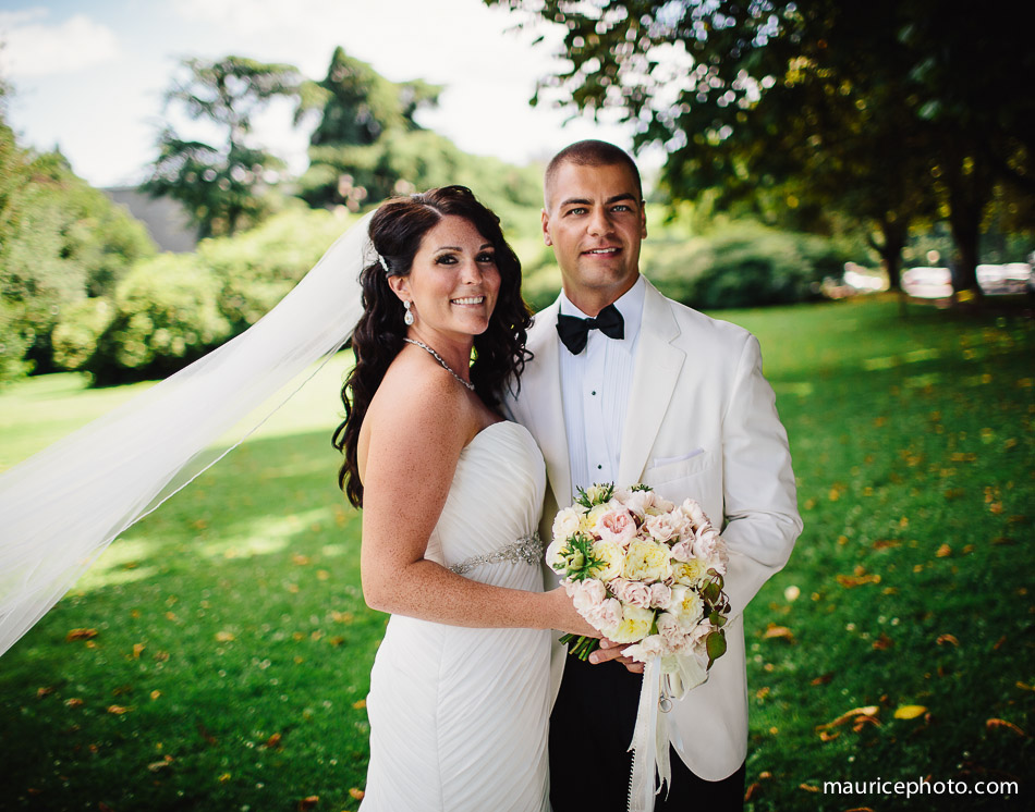 Wedding photography at Volunteer Park in Seattle