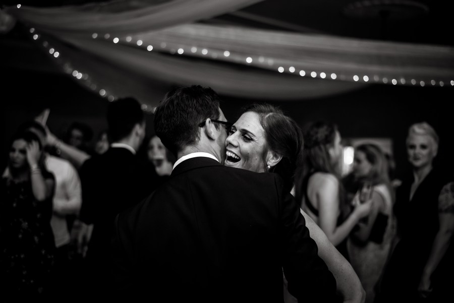 Statham Lodge Wedding - the first dance of Liz & Steve