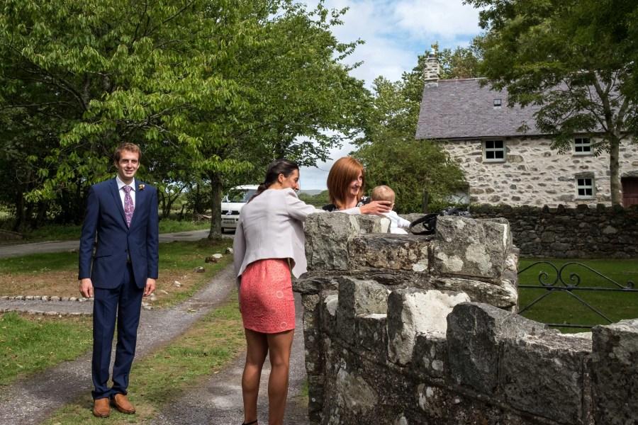 Guests arriving at Penarth Fawr