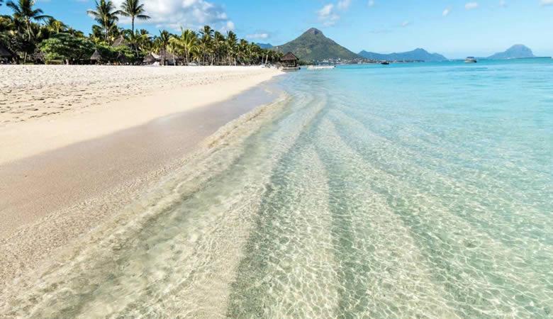 La Pirogue Mauritius Beach