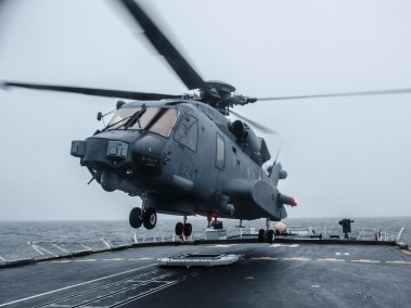 Cyclone lands on HMCS HALIFAX (Photo: Ordinary Seaman Raymond Kwan, Formation Imaging Services)