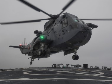 Sea King lands on flight deck of the guided-missile destroyer USS Porter (U.S. Navy photo by Mass Communication Specialist 3rd Class Ford Williams)