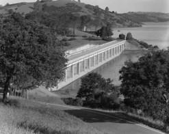 UPSTREAM_FACE_OF_SOUTH_SPILLWAY,_LOOKING_NORTHWEST_-_Pardee_Dam,_South_Spillway,_Mokulumne_River,_Valley_Springs,_Calaveras_County,_CA_HAER_CAL,5-VASPG.V,1B-8.tif