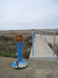 No swimming in dry irrigation canal Apr 2009