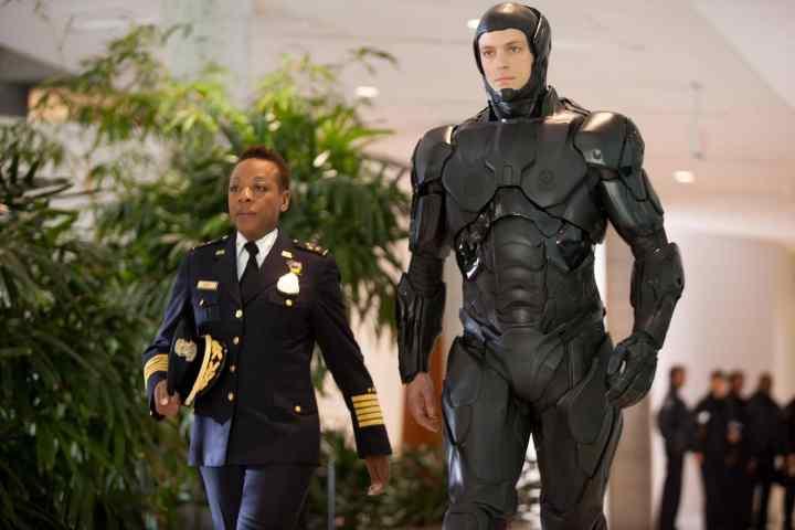 Robocop - Joel Kinnaman and Marianne Jean-Baptiste