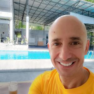 Bernie blogueur sur l'île de Koh Samui en Thaïlande.
