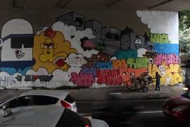 Graffiti en la Avenida 23 de mayo, São Paulo.