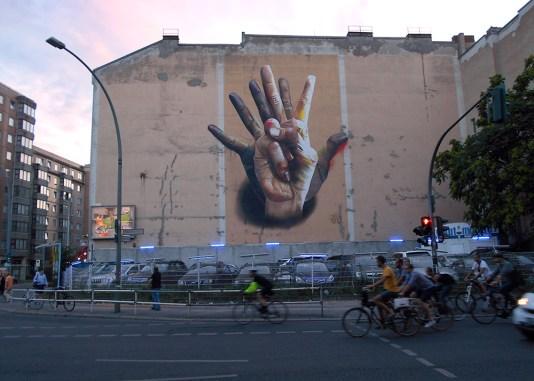 Case - MACLAIM. Brückenstraße, Berlín, Alemania.