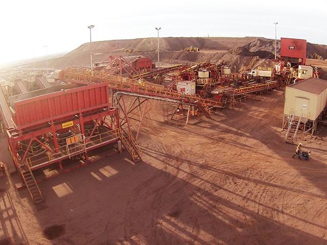 Modular Iron ore supplier australia surge bin ground feed bin conveyors crushing screening