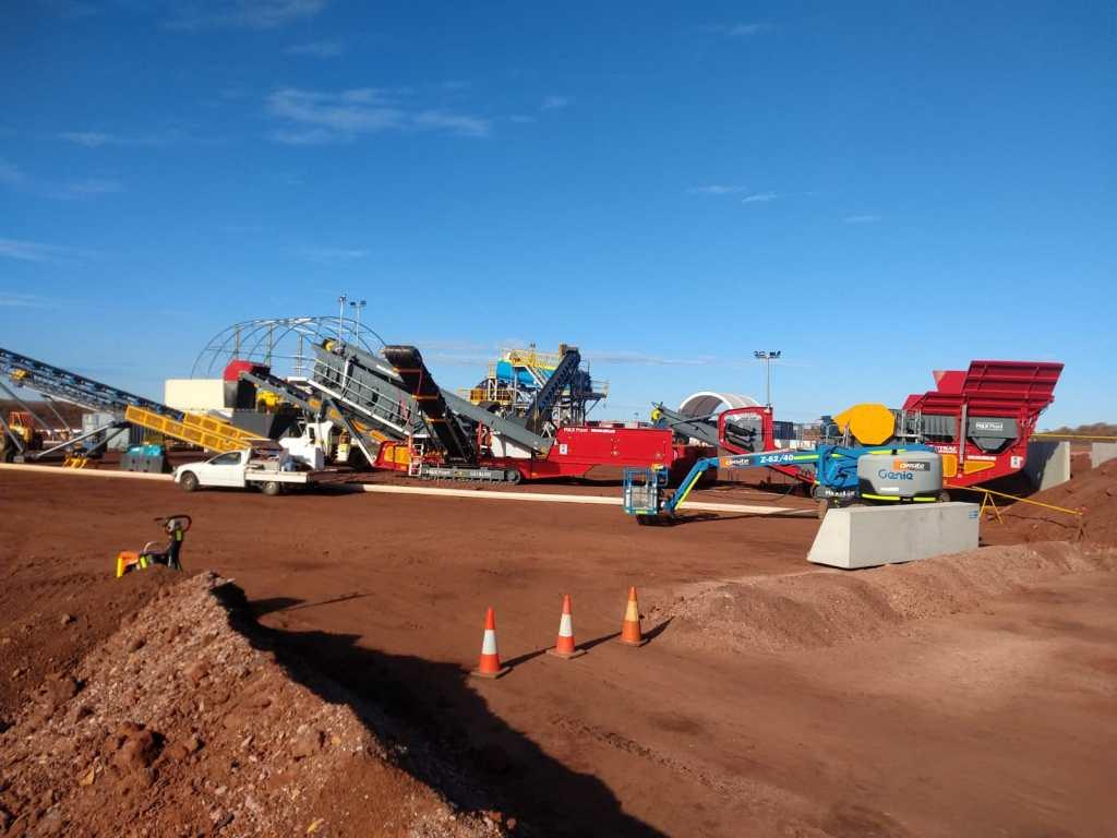 MAX Plant Australian Made ETRAC Crushing and screening