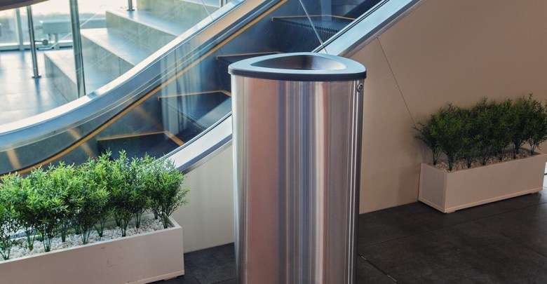 Top 10 Best Touchless Trash Can Black Friday Deals 2021