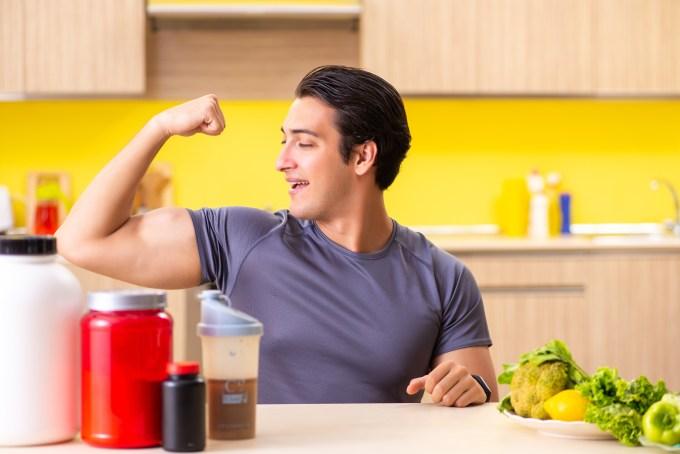 筋肉と食事、プレテインの関係を象徴するイメージ