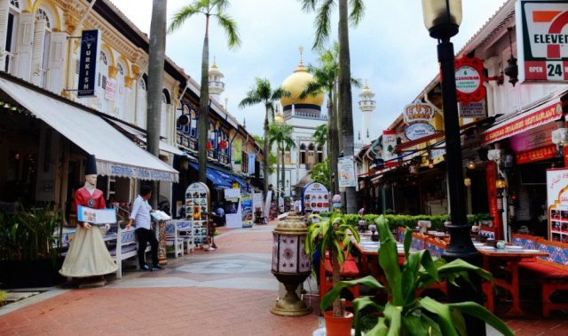 honeycombers kampng glam sultan mosque 300x177 Kampong Glam in Singapore