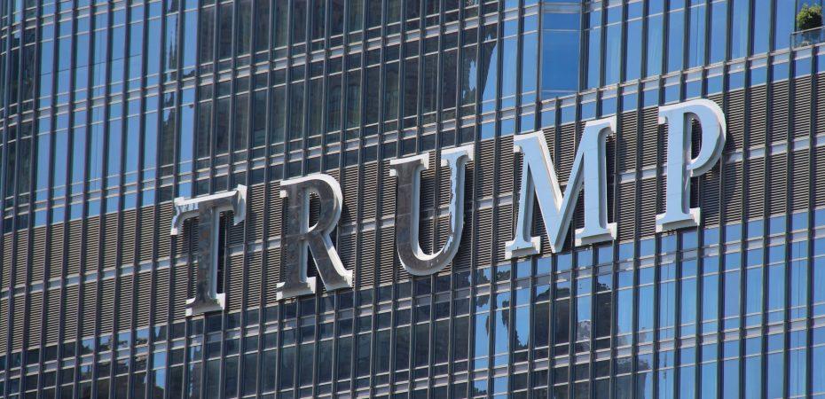 Trump Chicago Building