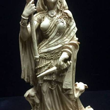 Front: Hecate Hekate Goddess of Witchcraft Statue by Maxine Miller ©celticjackalope.com