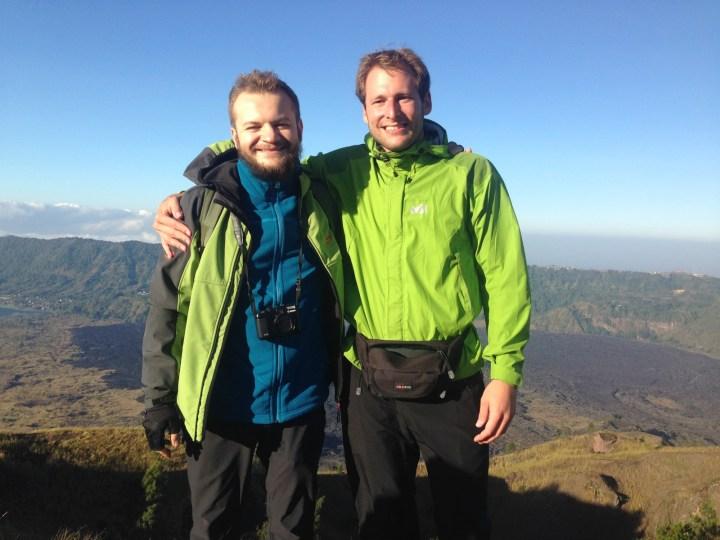 Максон, 33, и Адриан, 26. Гороскоп для Раков: любят зеленый цвет и встречать день рождения на вулканах.