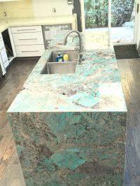 Amazonite quartzite island and onyx kitchen - MaxSpace ...