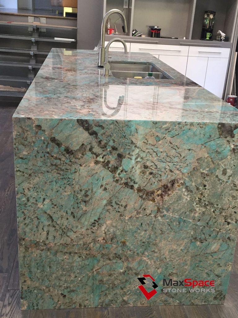 quartz kitchen countertops hope cabinets amazonite quartzite island and onyx - maxspace ...