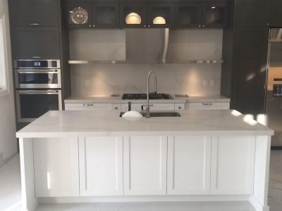 Calacatta nuvo caesarstone kitchen, island and backsplash ...