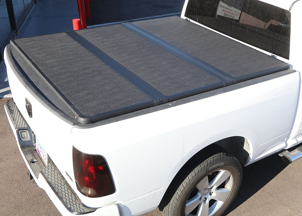 20082011 DODGE DAKOTA 5 BED EXTANG SOLID FOLD 20 TRUCK BED COVER WITH CARGO MANAGEMENT SYSTEM