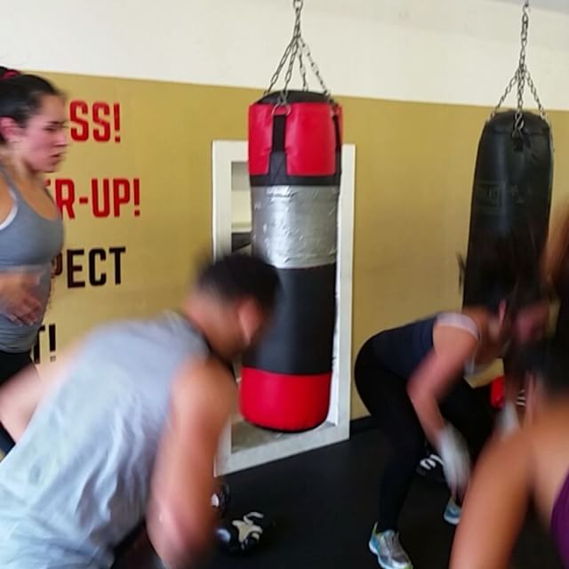 Cooling down from boxing yet still hyped up! Coach Heidi working the 10am session!#boxing #sandiegoboxing #gyms #sdgyms #fitness #sandiegofitness #grit #sandiego #miramar #miramesa #pq #rb #poway #scrippsranch #lajolla #delmar #maxwellsboxing #gratitude